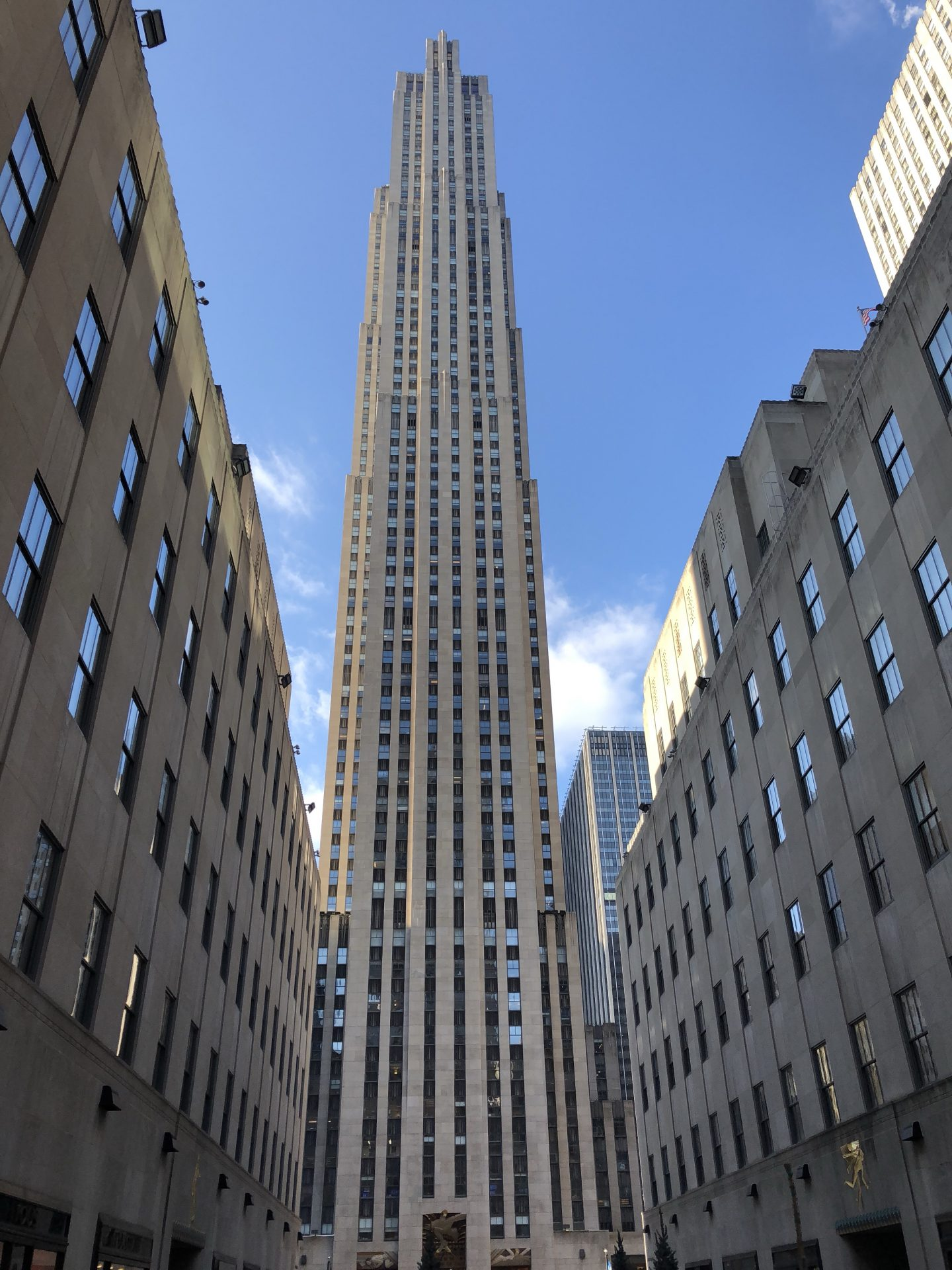 A photo of the Rockefeller Centre showing all 70 floors