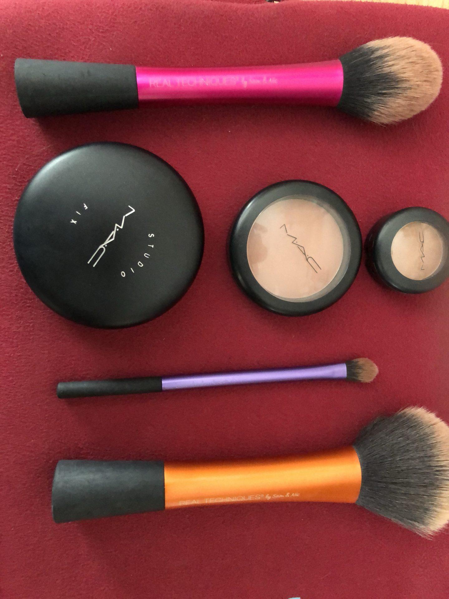 Make-up brushes, powder, blusher and eyeshadow